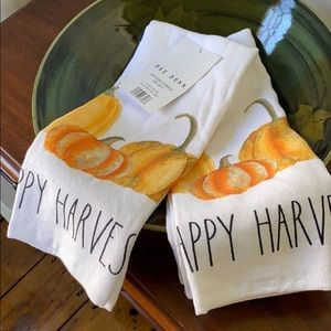 Rae Dunn NWT Happy Harvest Set of 2 Kitchen Towels
